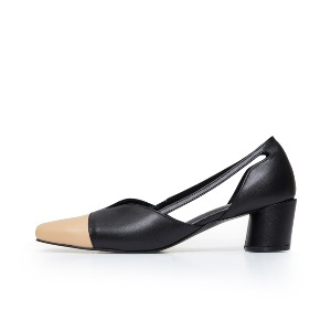 'V' Pointed pumps / CG1035BEBK